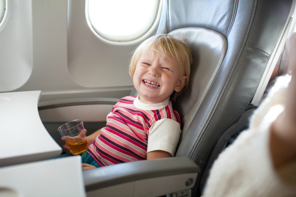 child-crying-on-plane
